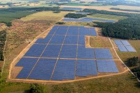 una contra de la energía solar es la necesidad de espacio para situar la instalación