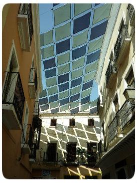 Una de las aplicaciones de la energía solar pasiva es el enfriamiento pasivo